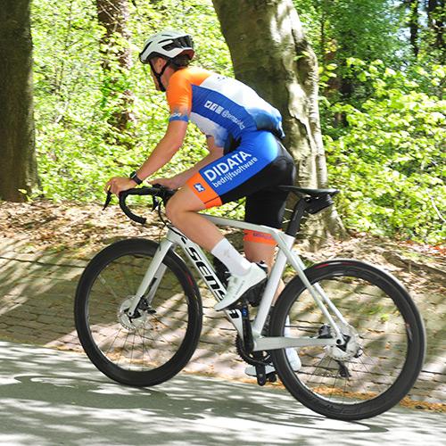 KCC Custom Teamkleding is sponsor van Sensa Kanjers voor Kanjers wielerteam
