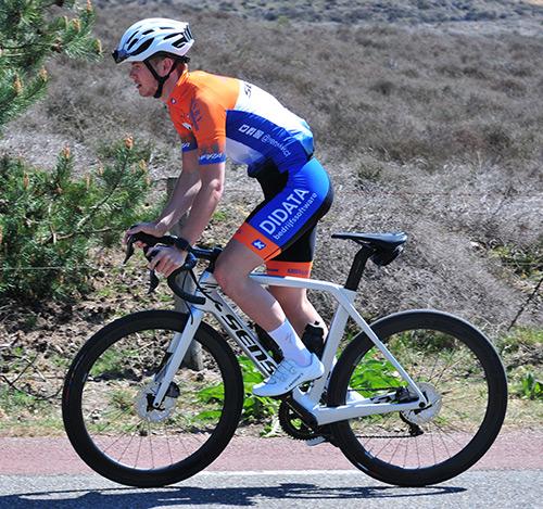 KCC Custom Teamkleding sponsor van Sensa Kanjers voor Kanjers Cyclingteam
